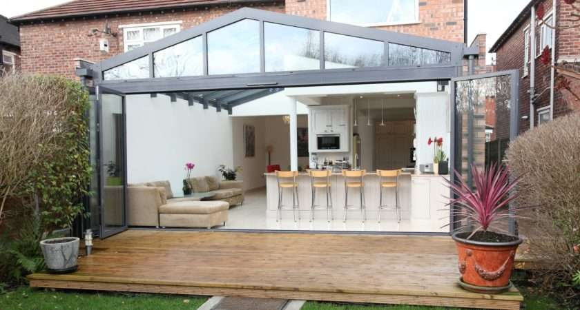 Aprofold Doors Creates Yet Further New Extension