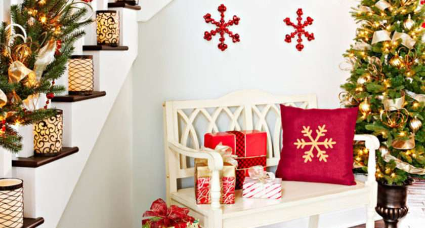 Awesome Christmas Stairs Decoration Ideas Digsdigs