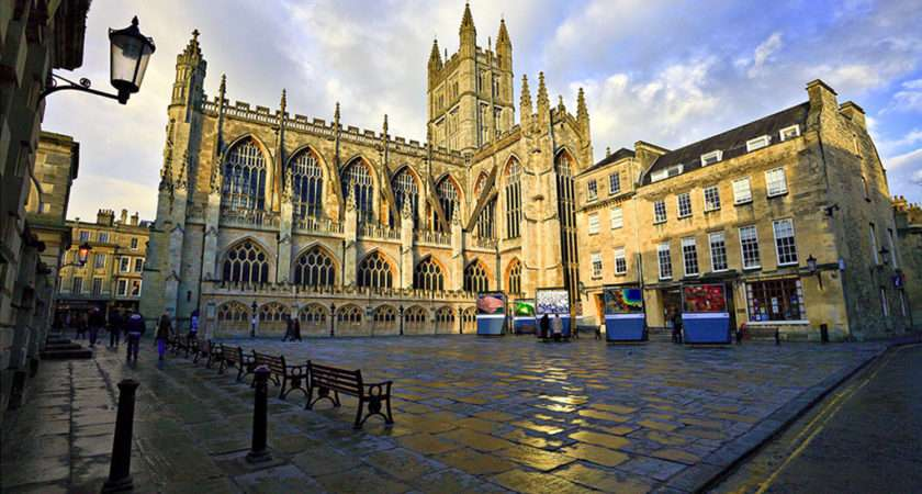 Bath Abbey Tourism Accommodation Restaurants