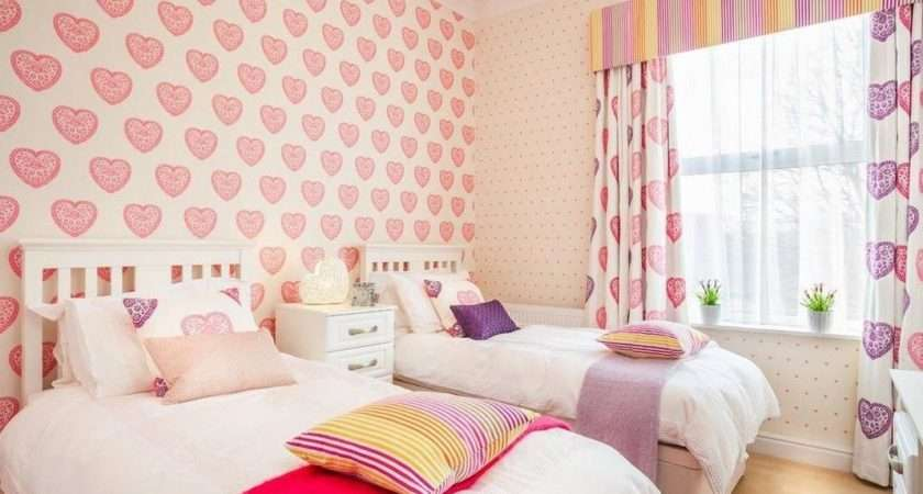 Beautiful Pink Heart Decoration Girls Room