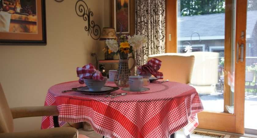 Bistro Table Tablecloth Decorating