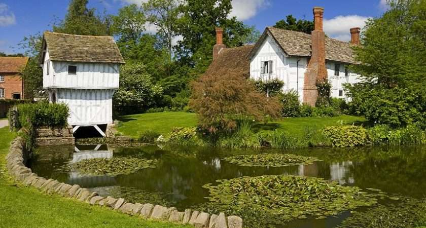 Britain Beautiful Country Homes Gardens Blooming Spring