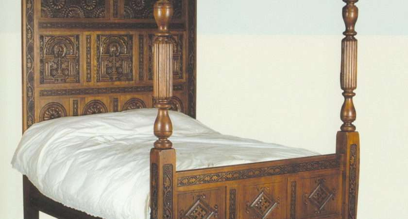 China Oak Reproduction Carved Four Poster Bed
