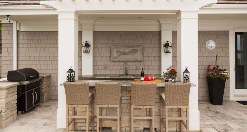 Cottage Style Setup Bar Common Feature Outdoor Kitchens