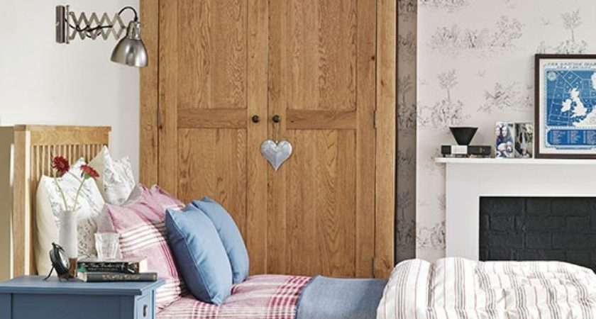 Country Bedroom Toile Decorating