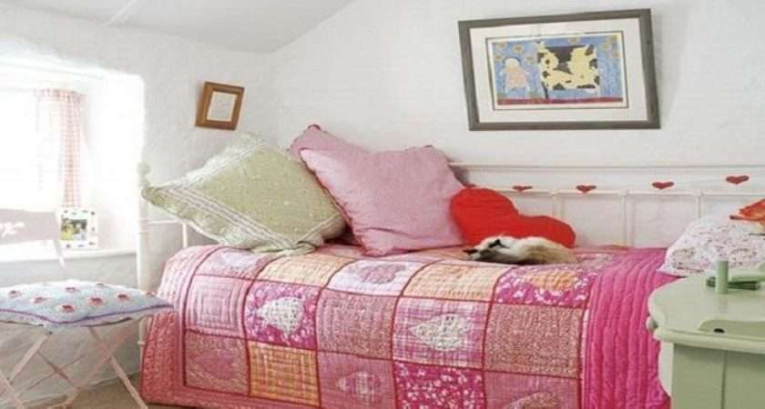 Decorating Small Bedrooms Girls Pink Bedroom Ideas
