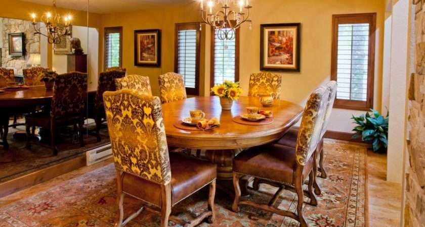 Designing Artistic Historical Dining Room