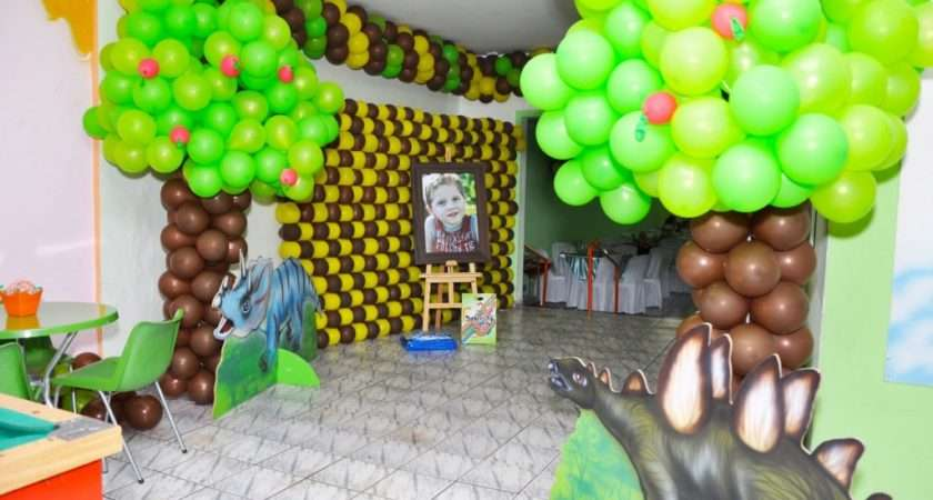 Dinosaurs Party Decoration Tips Kids Ideas Themes