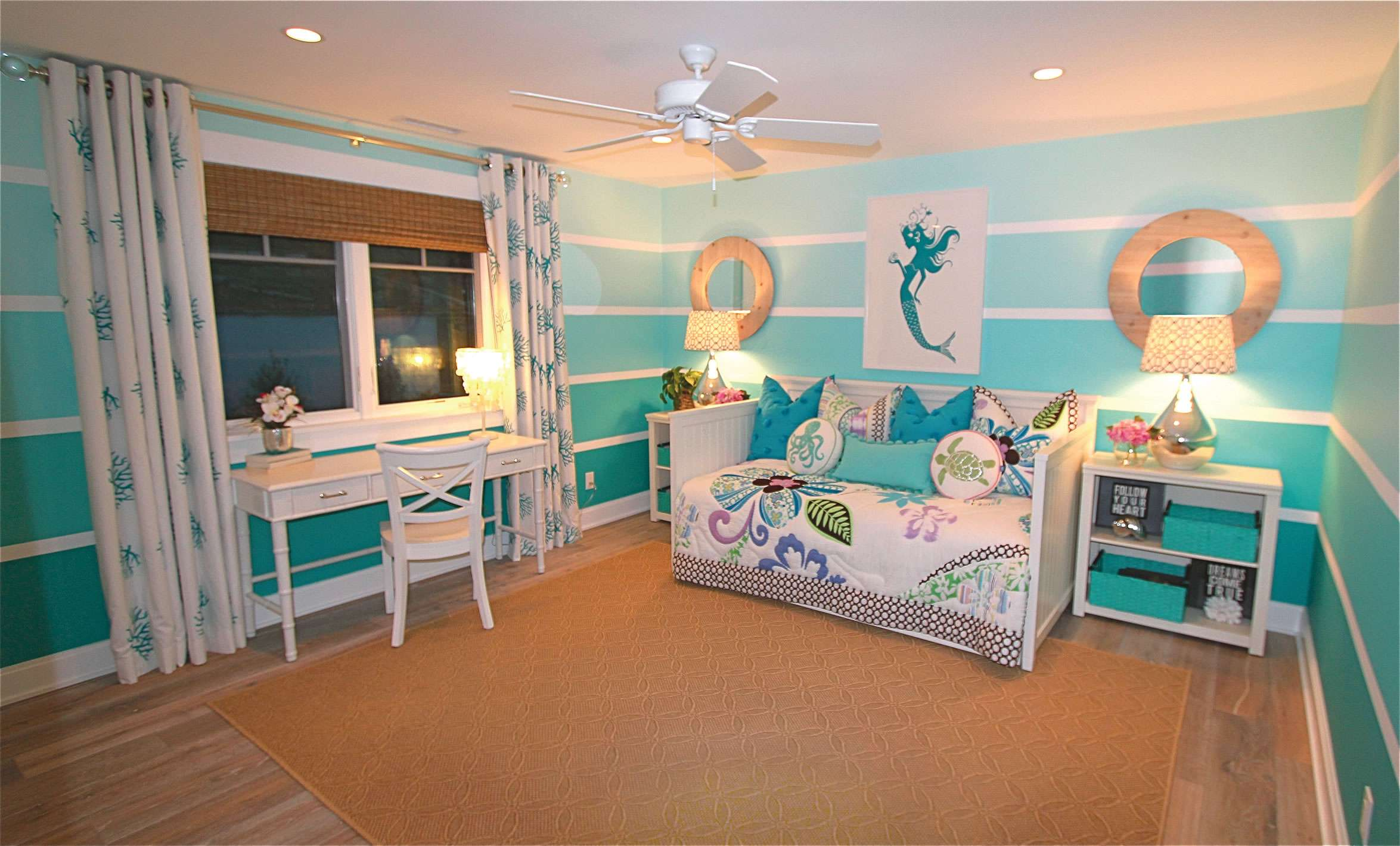 Displaying Mermaid Themed Bedroom