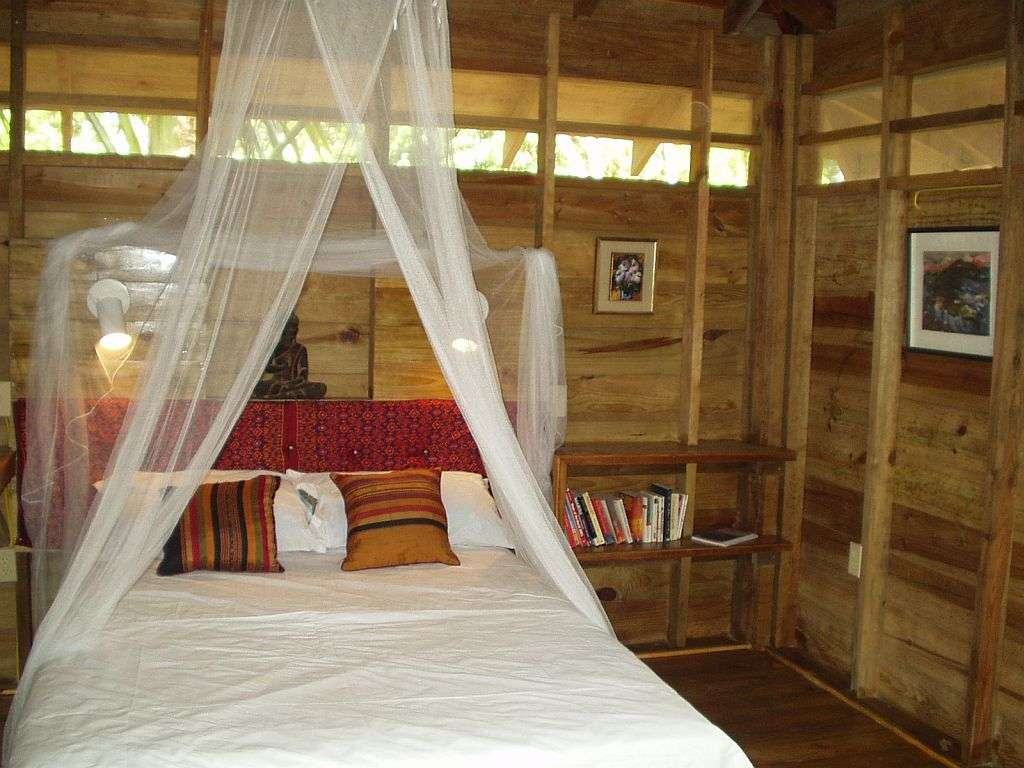 Eco Cottage Bedroom