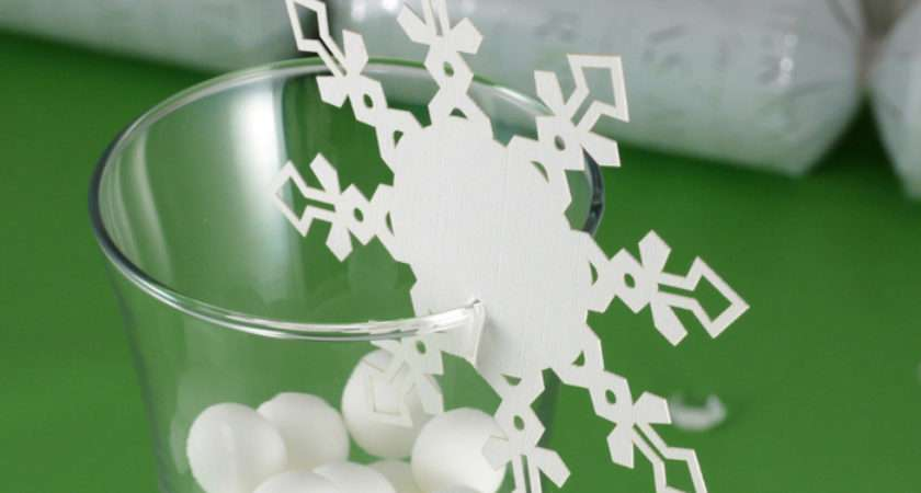 Enchanting Snowflakes Christmas Name Place Cards Wine Glass