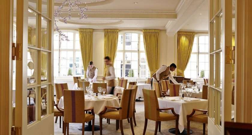 Famous London Restaurants Dining Room Goring