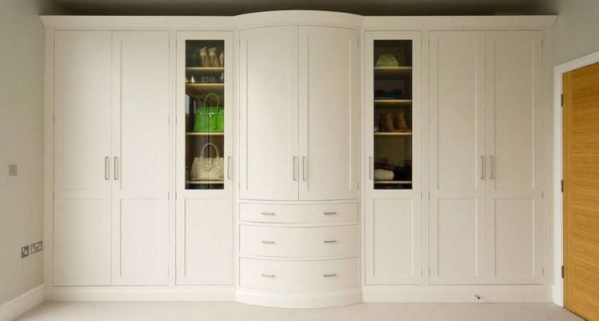 Fitted Wardrobes Transitional Wardrobe Cybball