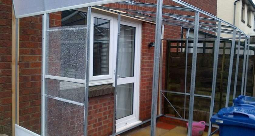 Flat Pack Lean Polycarbonate Greenhouse Construct