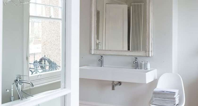 French Style White Bathroom Decorating