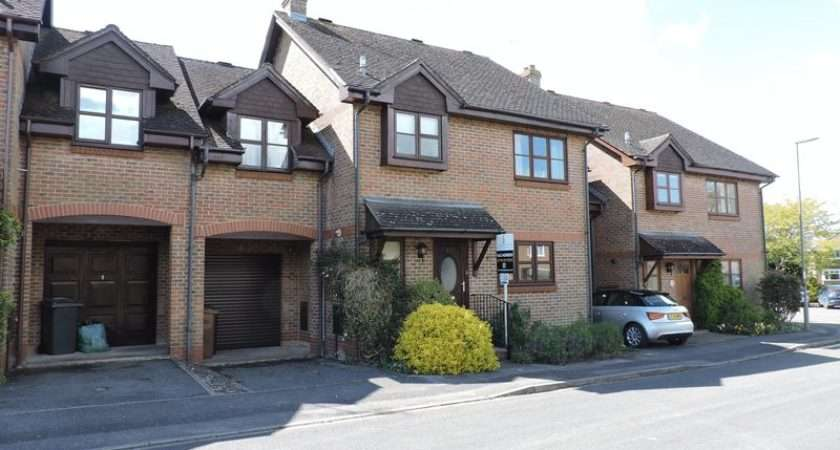 Front Property Linked Semi Detached House Centre