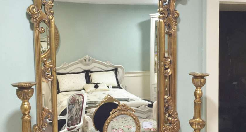 Gold French Shabby Chic Antique Style Rococo Ornatewall
