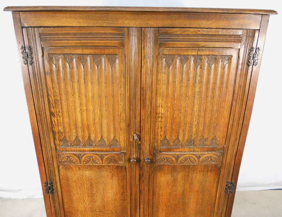 Good Heavy Quality Antique Jacobean Style Two Door Hanging Wardrobe
