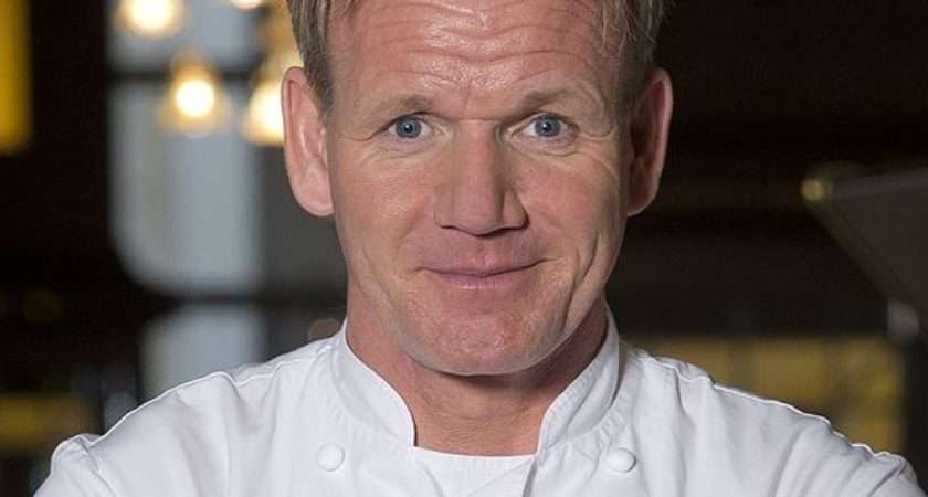Gordon Ramsay Pineapple Pizza Disgustoso Assaggio Per