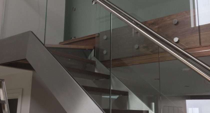 Hidden Fixings Stainless Stringer Feature Staircase