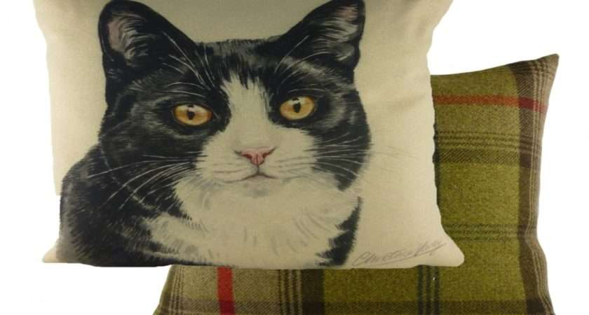 Home Waggy Dogz Black White Cat Filled Cushion