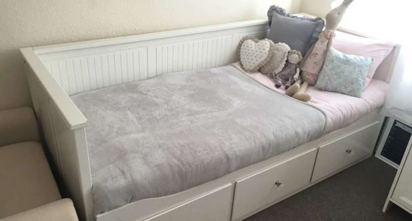 Ikea Hemnes Day Bed Pullout Double