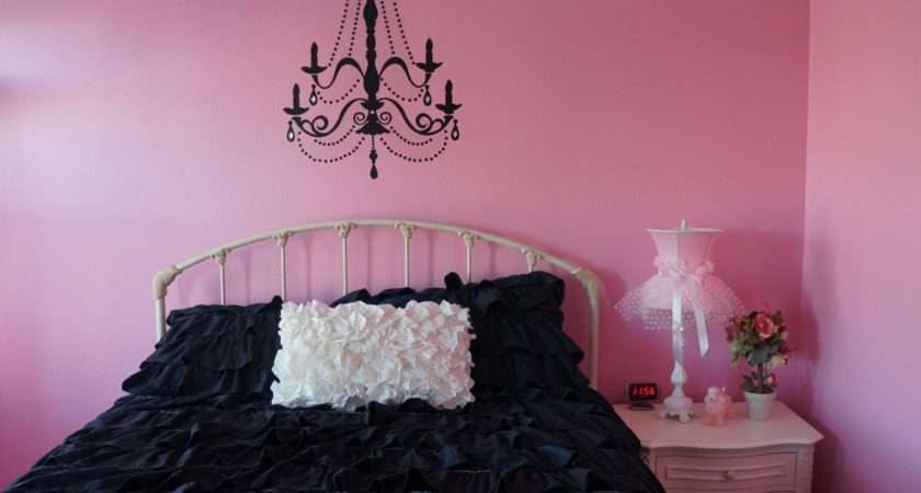 Impressed She Picked Paris Themed Room Voila Here