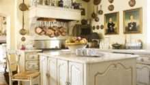 Kitchen Casual Design Ideas Using Pan