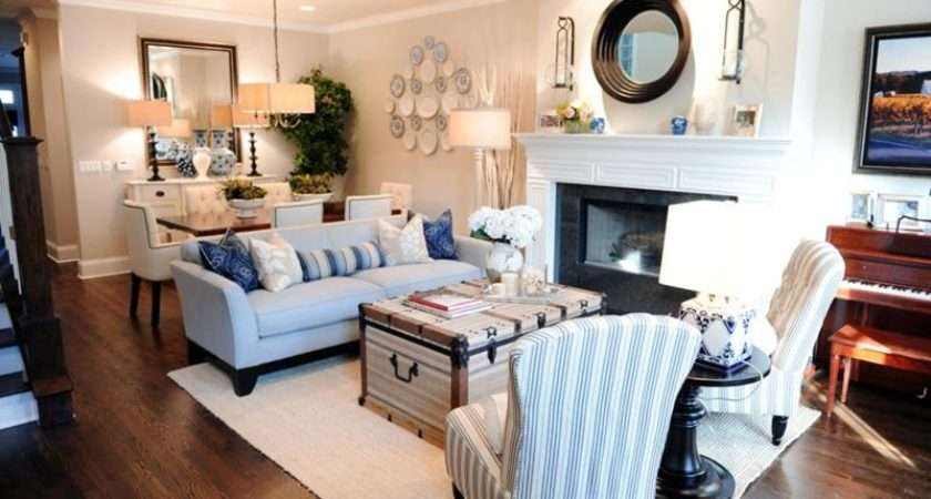 Long Furniture Fill Out Space Living Room Design