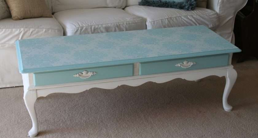 Love White Chalk Paint Coffee Table Project