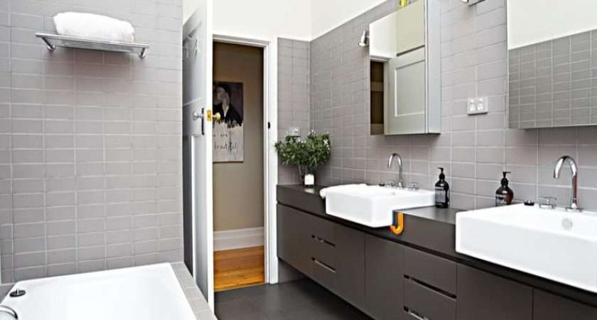 Modern Bathroom Design Recessed Bath Using Tiles