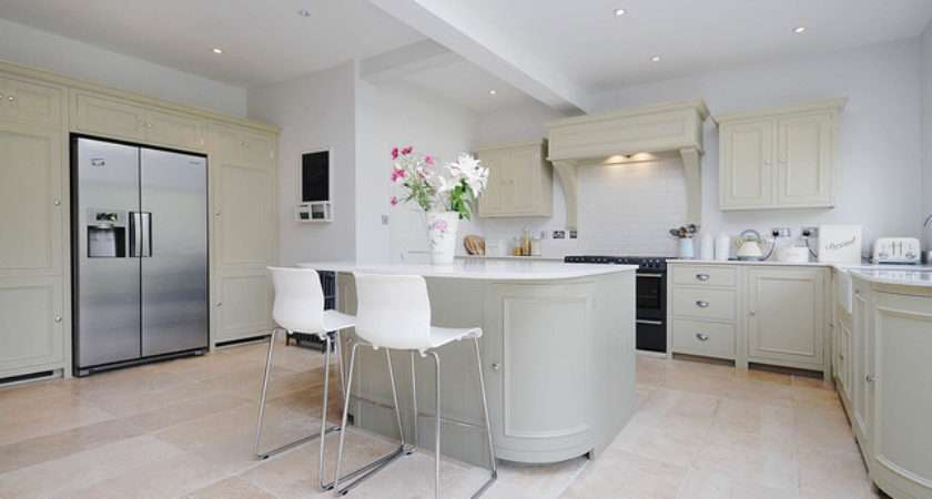 Neptune Fitted Kitchens Traditional Kitchen Surrey