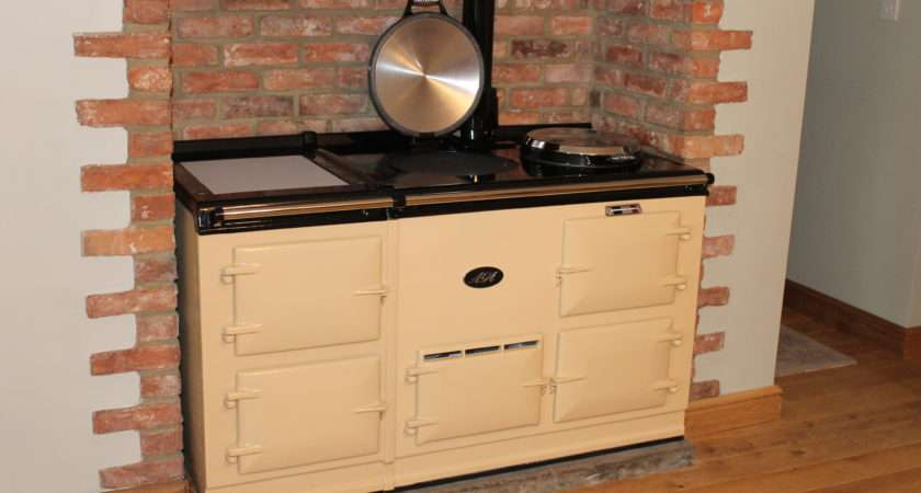 Oven Deluxe Style Gas Fired Conventional Flue Aga Cooker