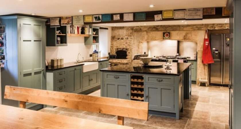 Painted Kitchen Bath Somerset Mark Stone Welsh Kitchens