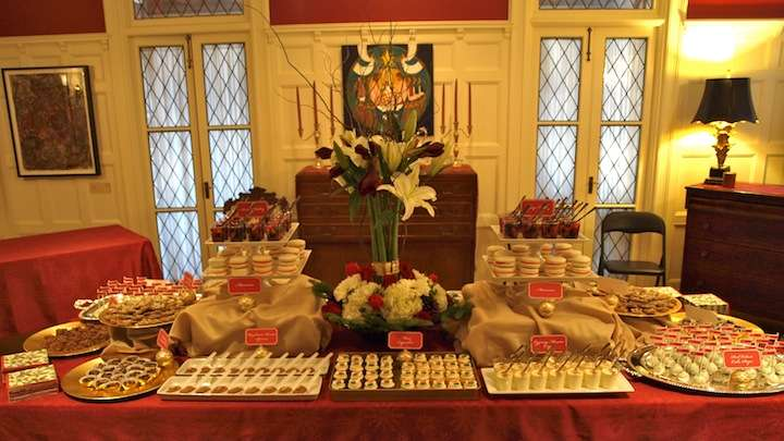Party Style Xmas July Holiday Dessert Table