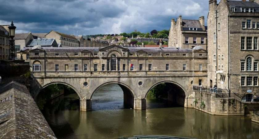 Pulteney Bridge Bath Tourism Accommodation