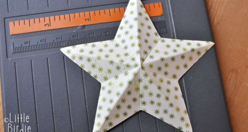 Recycle Paper Star Wreath Tutorial