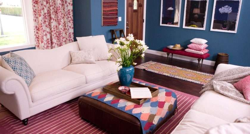 Red White Blue Living Room Walls Sofas Accents