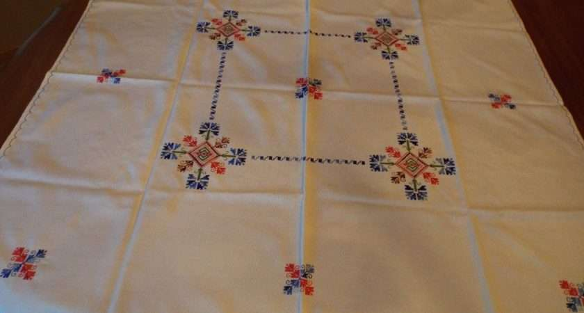 Scandinavian Design Machine Embroidered Card Table Tablecloth
