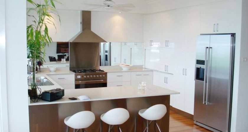 Shaped Breakfast Bar White Gloss Cupboards Kitchen Diner