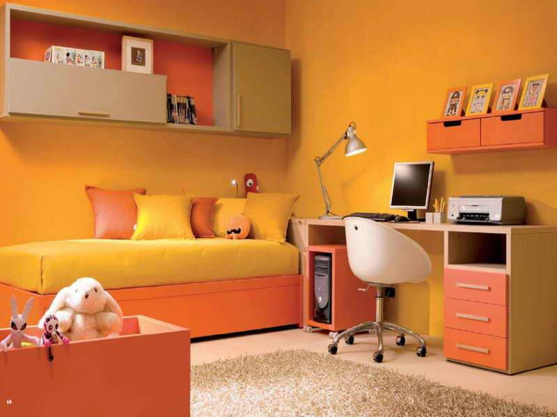 Small Bedrooms Orange Wall Decorate