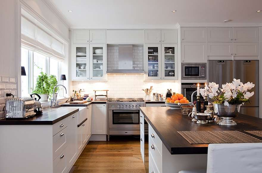 Stockholm Vitt Interior Design New England Style Kitchen