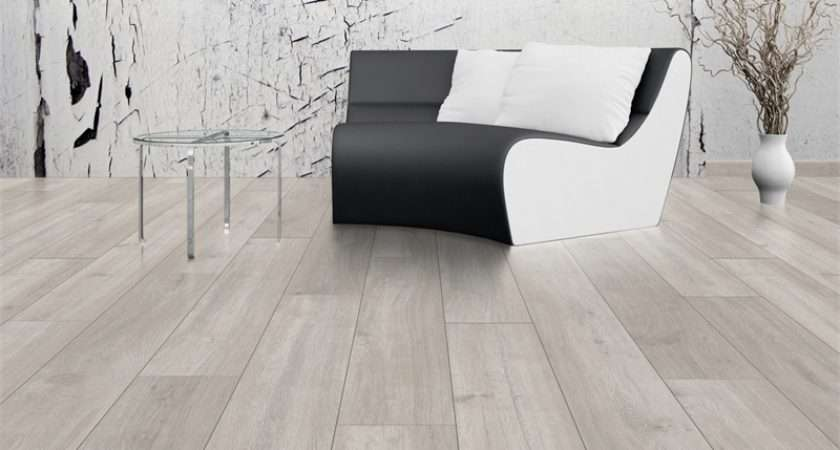 Stowe Oak Laminate Flooring Homebase