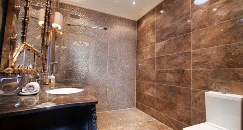 Suite Includes Wet Room Kitted Out Gold Theme While House