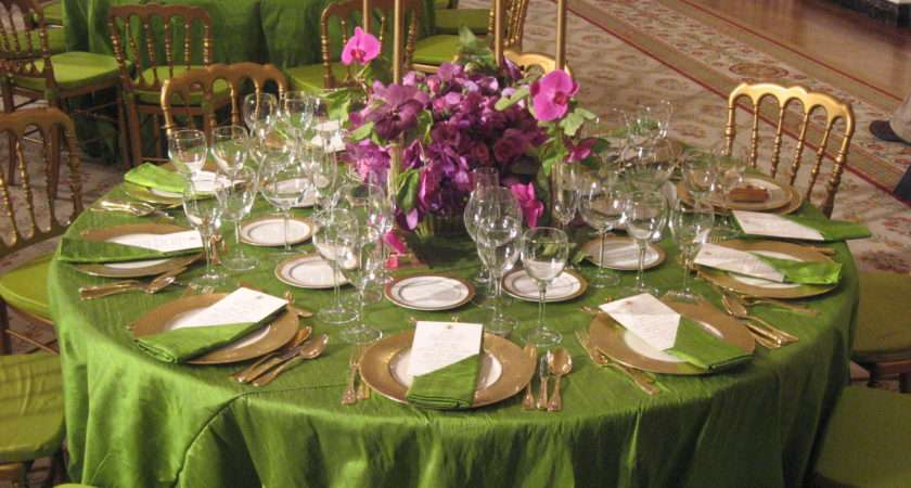 Tips Good Etiquette During Dinner Parties