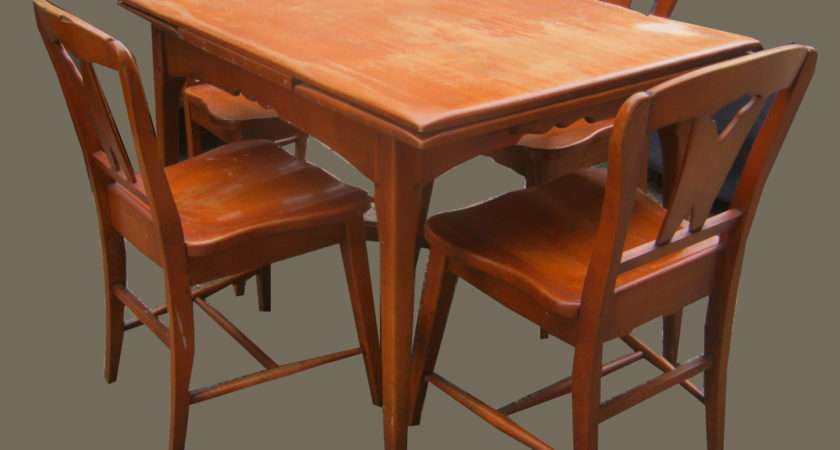 Uhuru Furniture Collectibles Maple Dining Table
