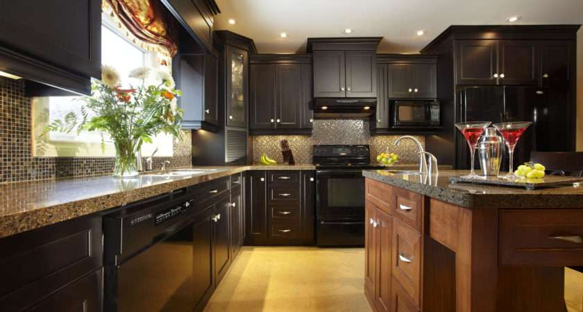 Understanding Traditional Transitional Kitchen