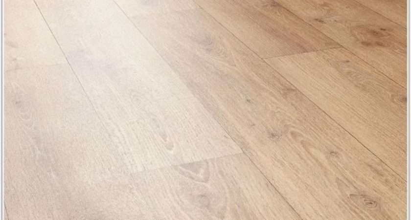 Vinyl Wood Effect Floor Tiles Home Decorating