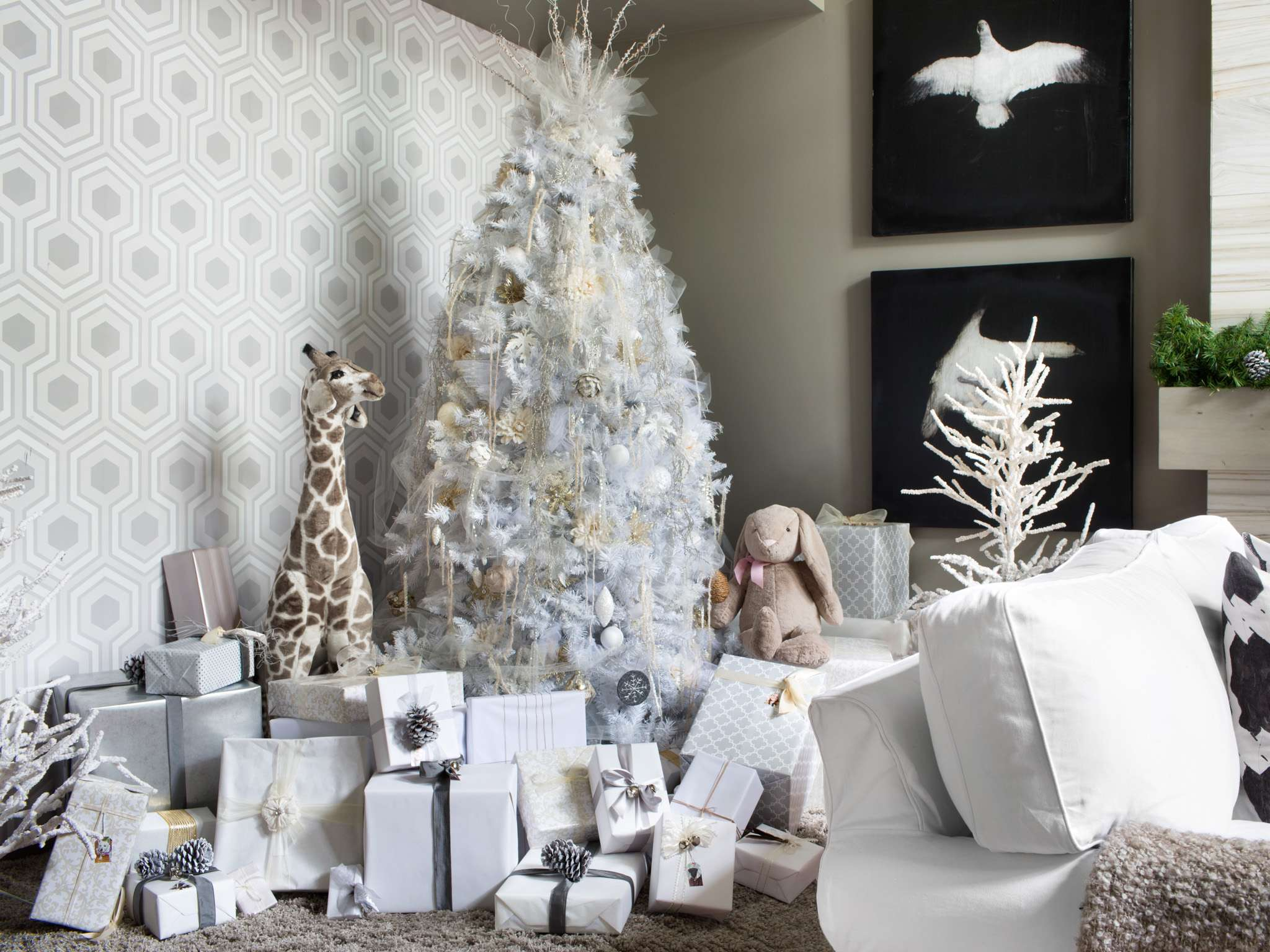 White Christmas Tree Decoration Ideas