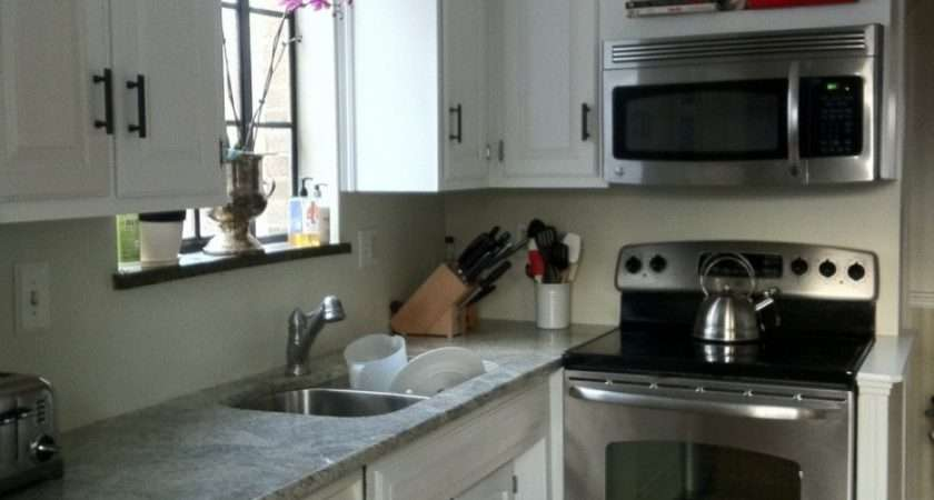 White Solid Wood Small Kitchen Cabinet Using Grey Marble